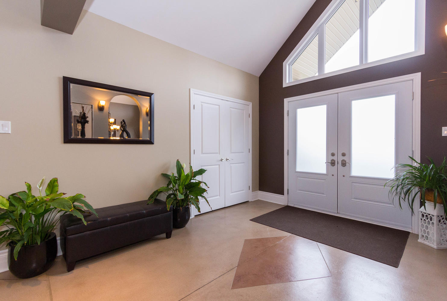 Very spacious entry with ample closet space.