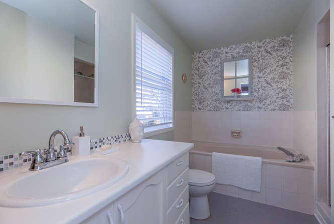 Master ensuite with soaker tub and separate shower, new toilet and sink 2016