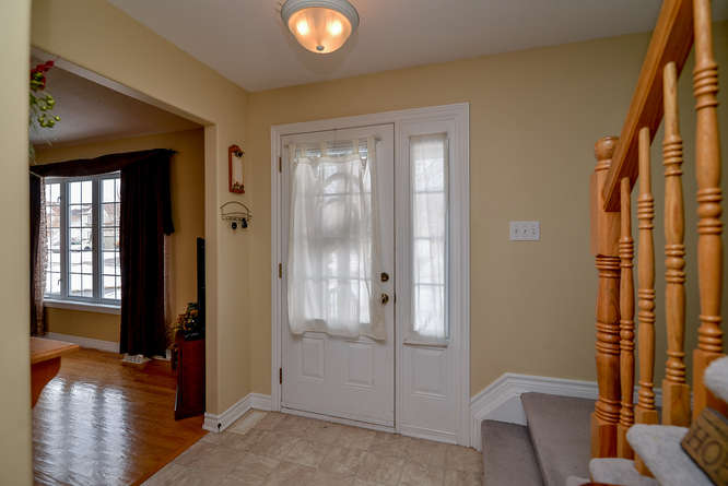 Spacious Entry way that opens up to the main floor living space.