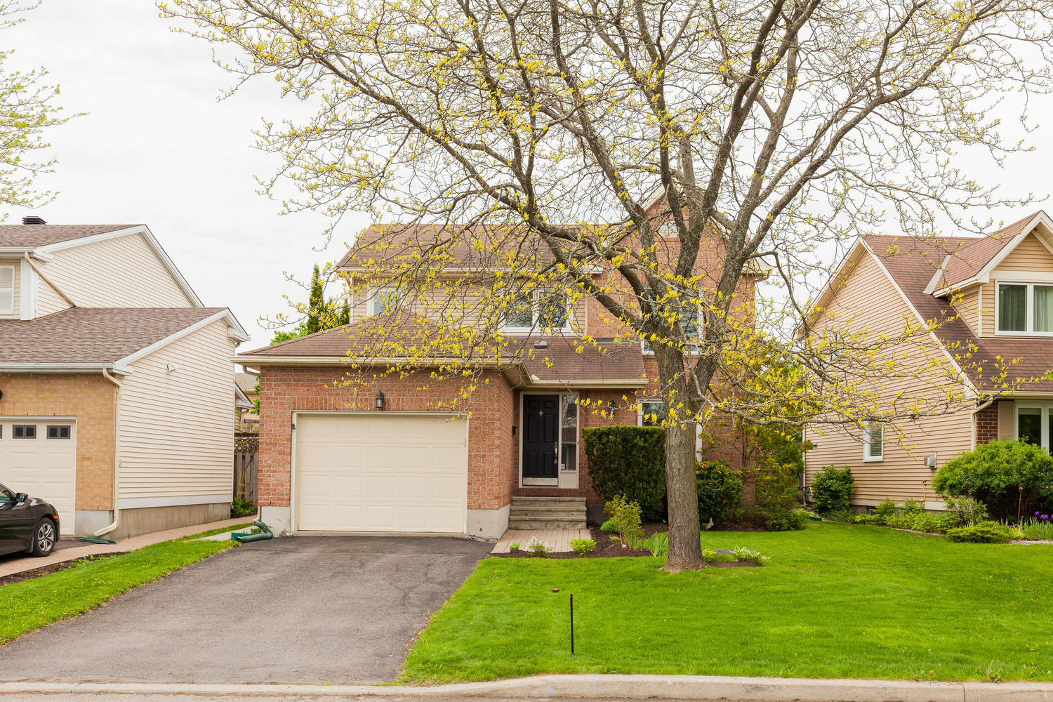 A GORGEOUS, Updated, 4 Bedroom, 4 Bathroom single family home, located on a quiet street in a family friendly neighborhood.