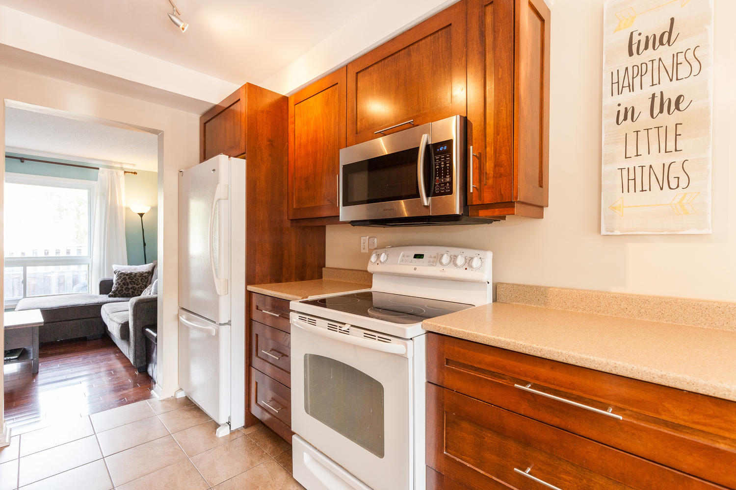 This beautifully renovated kitchen comes with soft close cabinetry and drawers