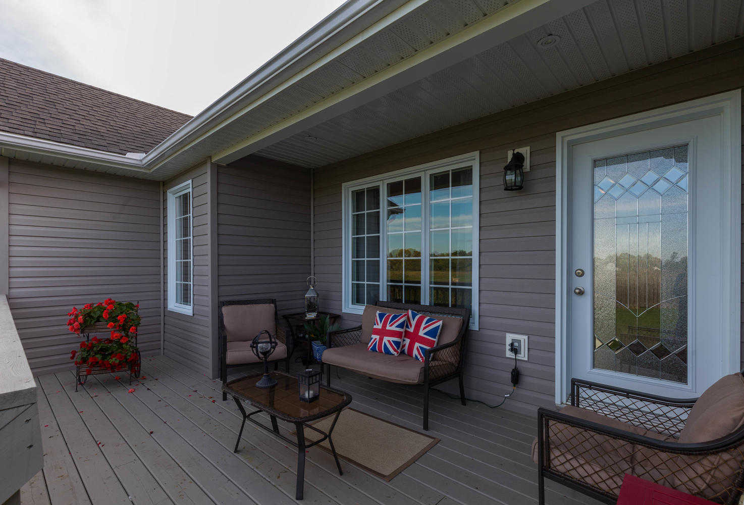Large partially covered deck perfect for BBQ'n and entertaining.  Complimented by a Great open outdoor space in the back.  Peaceful and quiet.