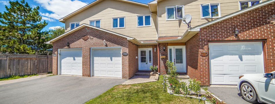 Photo of ***SOLD*** – Large Updated Townhome with 3 Beds and 4 Baths!