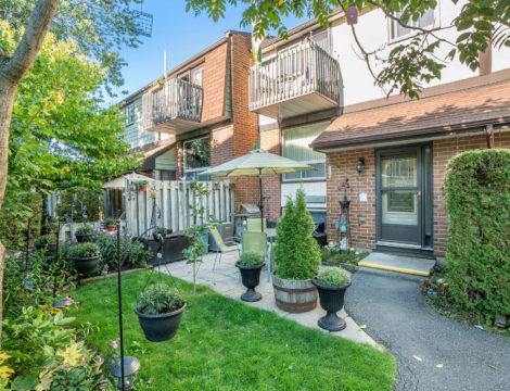 Photo of ***SOLD***7-409 Montfort – 3 Bed 2 Bath Townhouse In Quiet Area, Close Proximity to Downtown