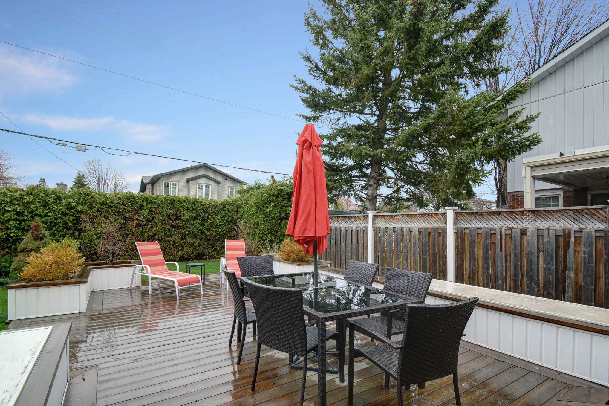 Outstanding space for entertaining.  Get that BBQ ready!