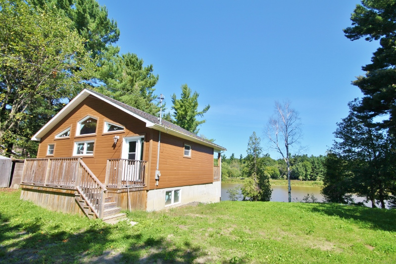 Welcome to 2061 Tessier Street.  Situated on a quiet waterway with access to the Ottawa River and between both Montreal and Ottawa.  Great place to raise a family or for a second home!