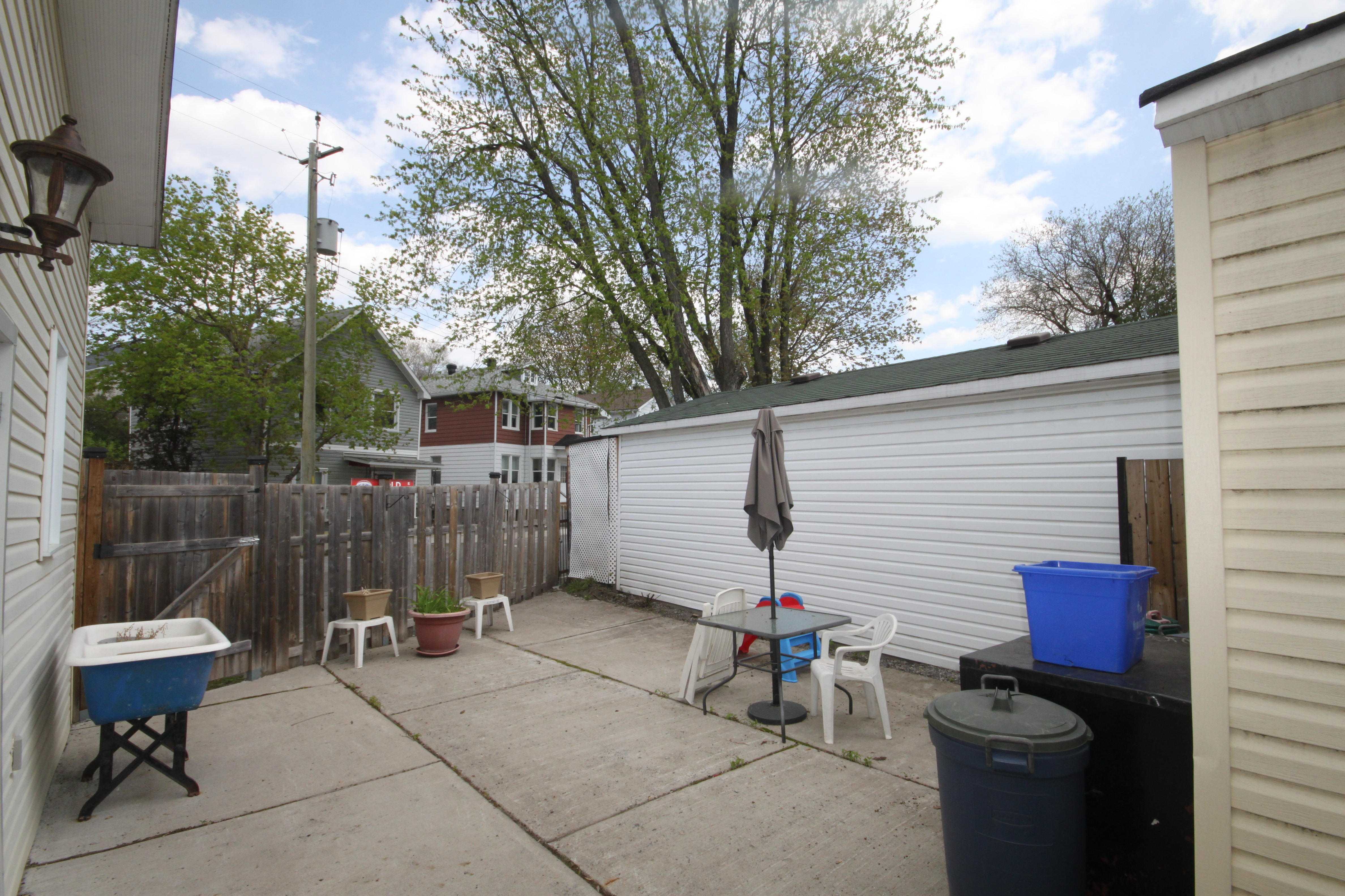 Fantastic opportunity to pick up a great investment property.  Fully legal Duplex that fronts on two separate streets.  Zoned R5D H(25) 2 Great out buildings as well.