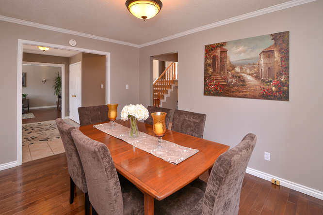 Very spacious Dining room that can accommodate a few large pieces.